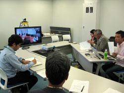 高知工科大学地域連携機構会議室に設置されたTV会議システム