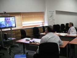 梼原町の役場会議室に設置されたシステム