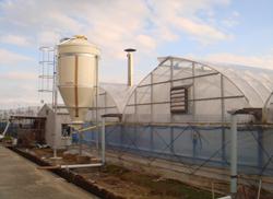 木質ペレットのタンク ここから自動的にペレットが燃焼機に供給される