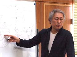 映像論理を語る藤井氏