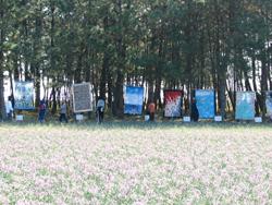 らっきょうの花畑と潮風のキルト展