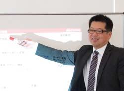 WEB戦略の締めくくりの講義を行う山本氏